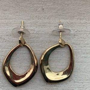 Cuyana FREE with any purchase- earrings